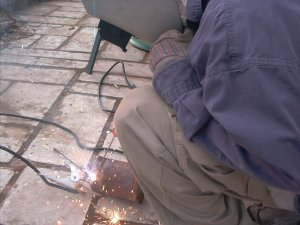 Welding on the lifting lugs