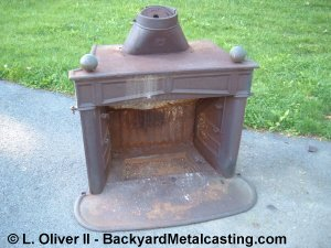 Melting iron with a simple homemade waste oil burner.